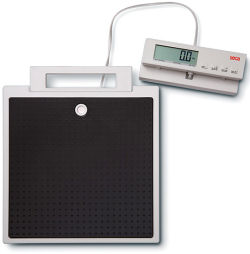 Seca® 869 Flat Scale with cabled remote display